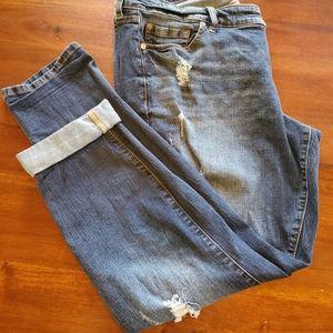 Torrid sz18 distressed boyfriend jeans